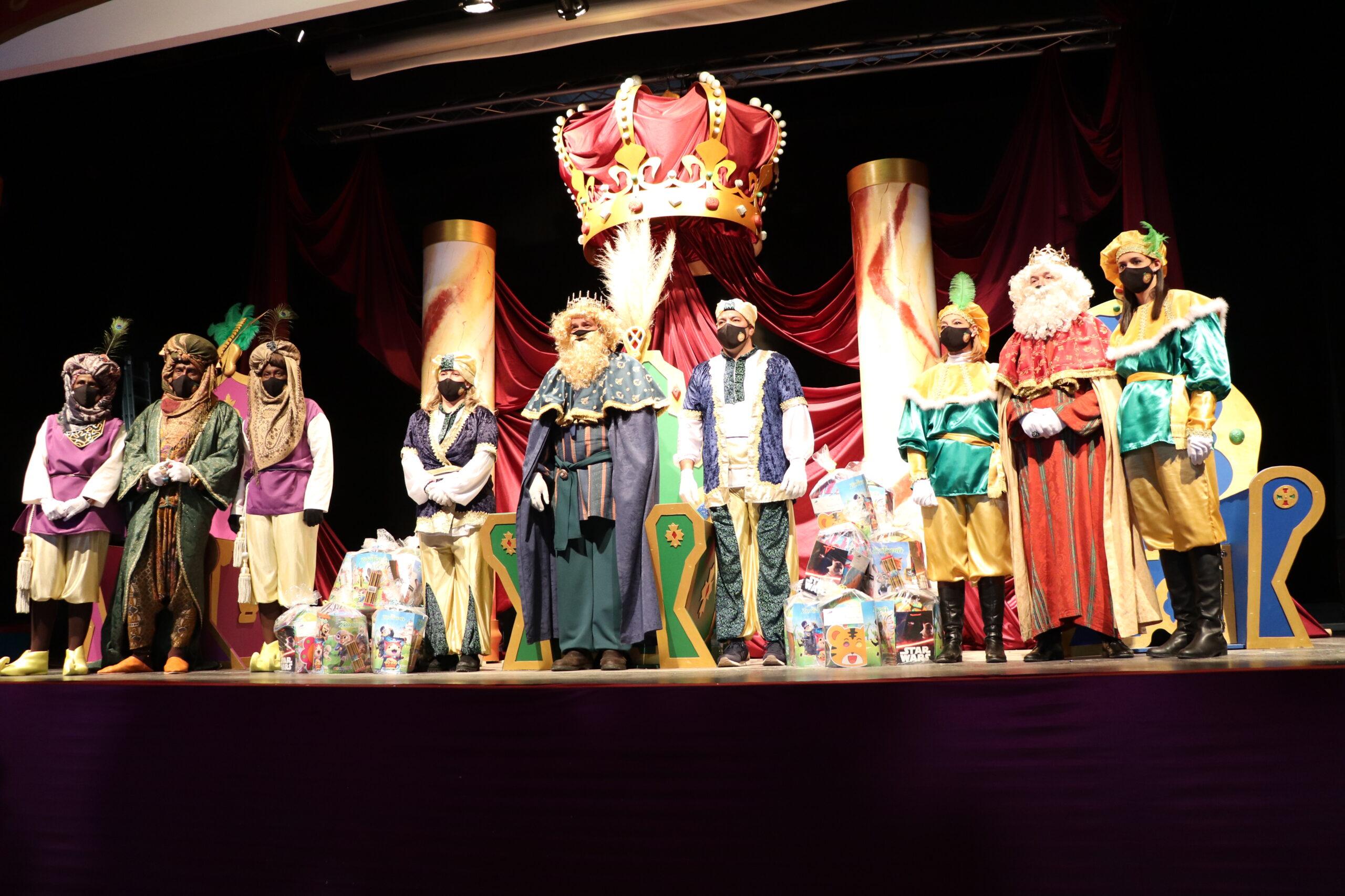 Peñaflor vive unos Reyes Magos de cuentos