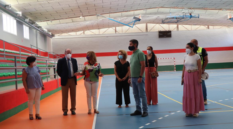 El presidente de la Diputación, Fernando Rodríguez Villalobos, visita Cantillana
