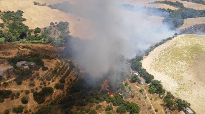 Declarado un incendio en el término municipal de Cantillana